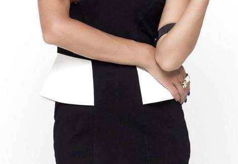 Černé šaty Motel Rocks s volánky