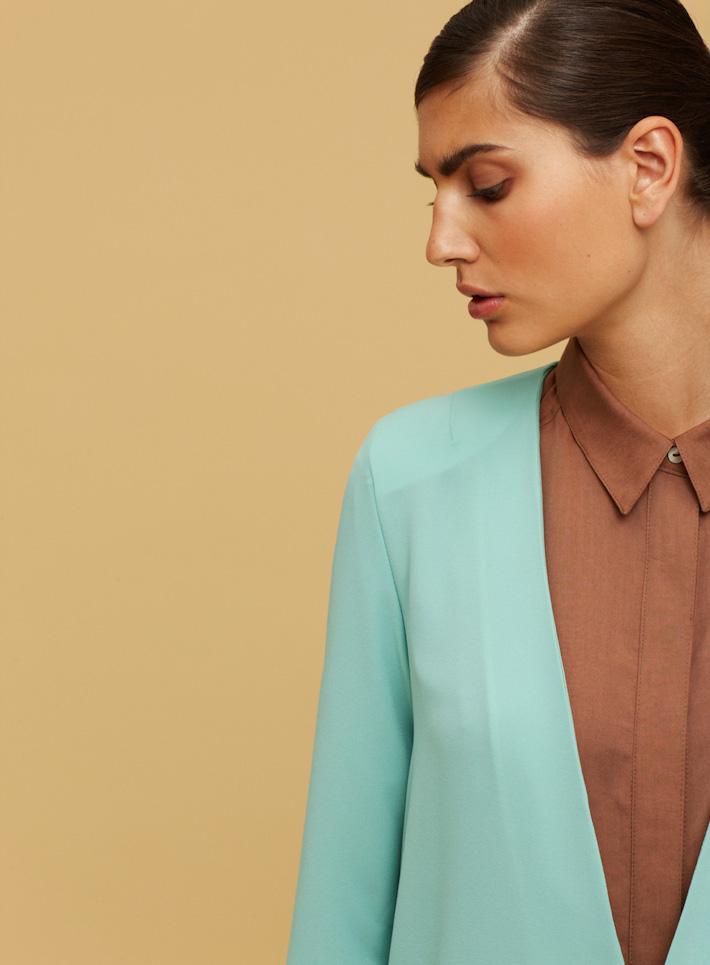 Libertine Libertine zelené minimalistické sako dámské, hnědá košile