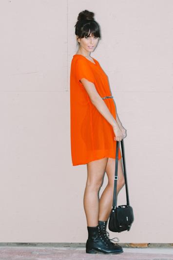 Obey oranžové dámské šaty