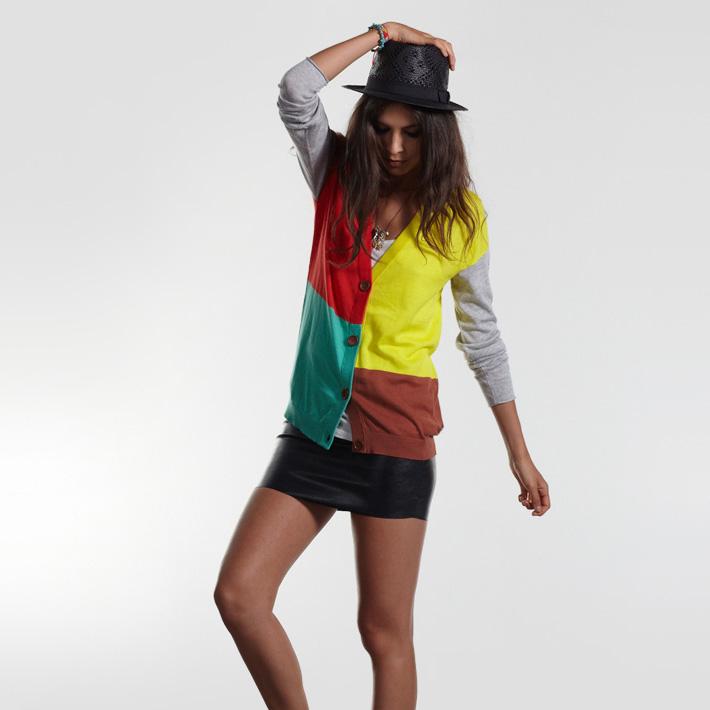 Stussy dámská barevná mikina se zapínáním, černá krátká sukně