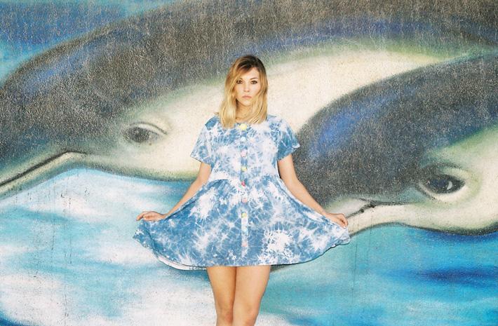 Lazy Oaf batikované letní šaty modré