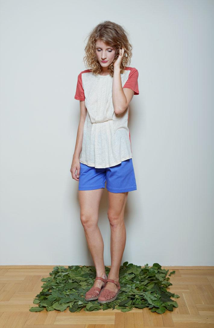 Kele dámské tričko bílo červené, dámské šortky modré