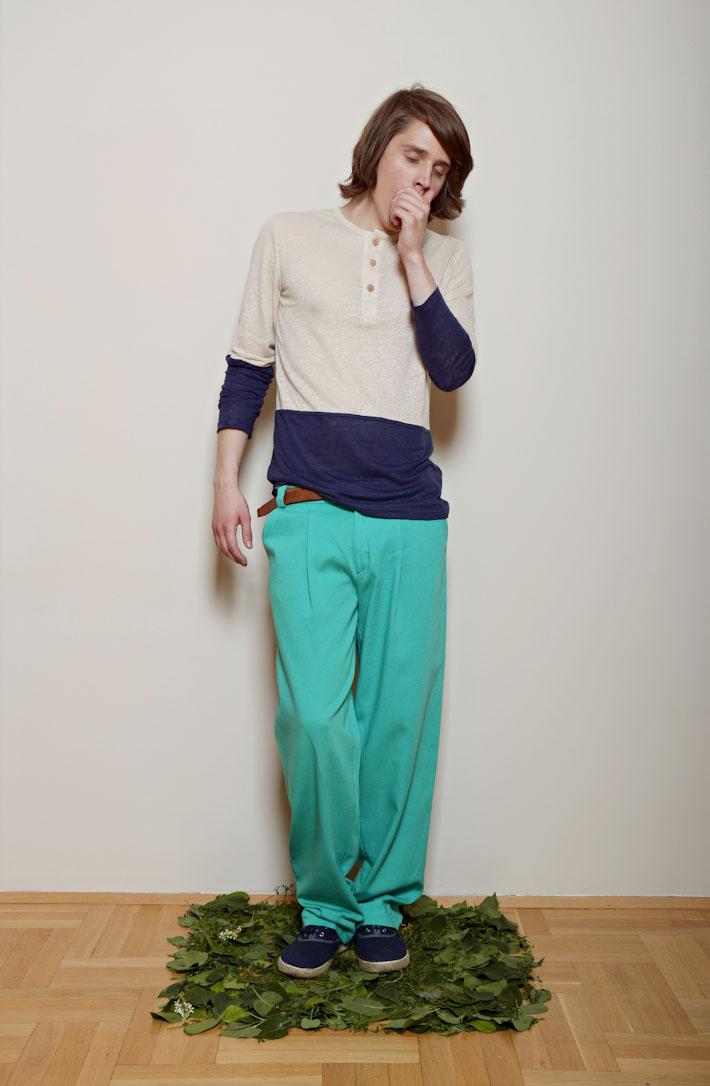 Kele – zeleno modré pánské šortky, modro pískové tričko