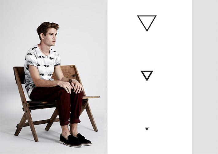 Volklore pánské tričko spotiskem, vínové kalhoty