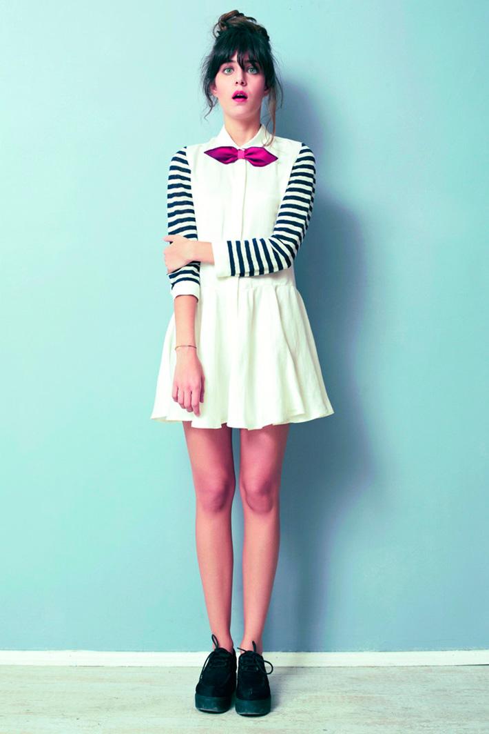 Asli Filinta dámské bílé originální šaty spruhovanými rukávy