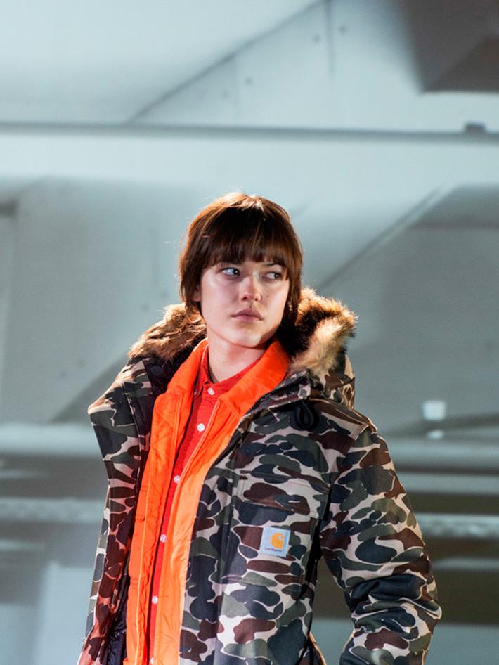 Carhart WIP, dámská maskáčová zimní bunda skapucí akožíškem