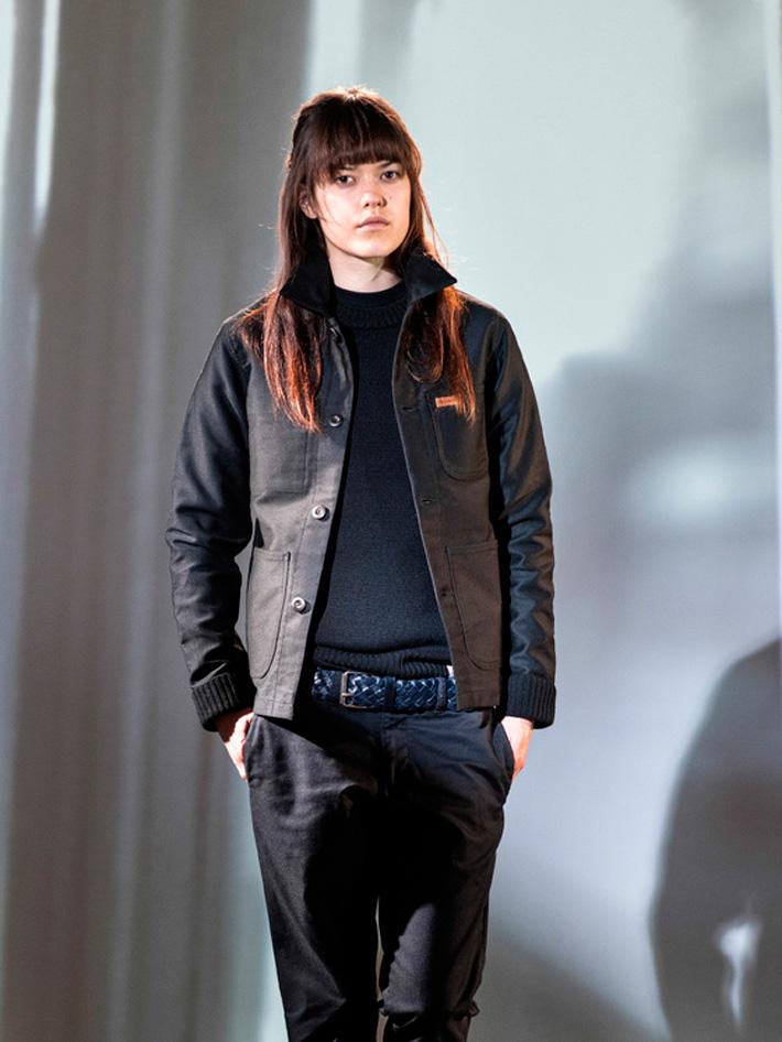 Carhart WIP, dámská černá podzimní bunda do pasu, černé kalhoty dámské