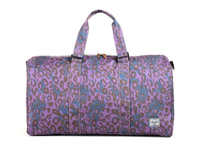 Herschell Supply příruční taška Ravine fialová sleopardím vzorem