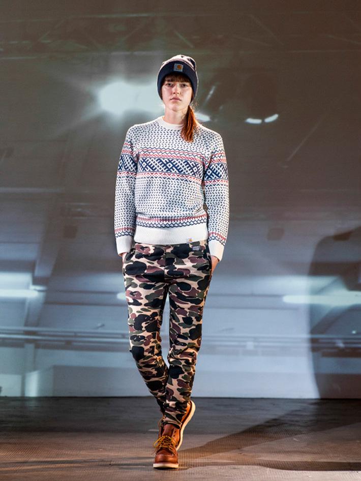 Carhart WIP, dámský pletený svetr se vzorem, maskáčové kalhoty