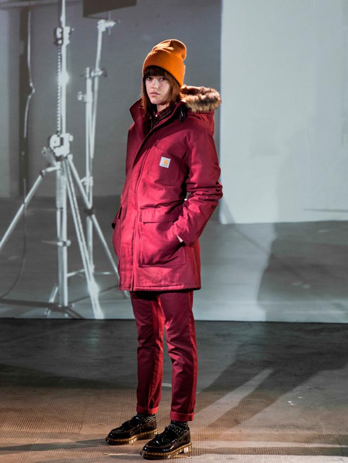 Carhart WIP, dámská červená zimní parka skapucí skožíškem, dámské červené kalhoty