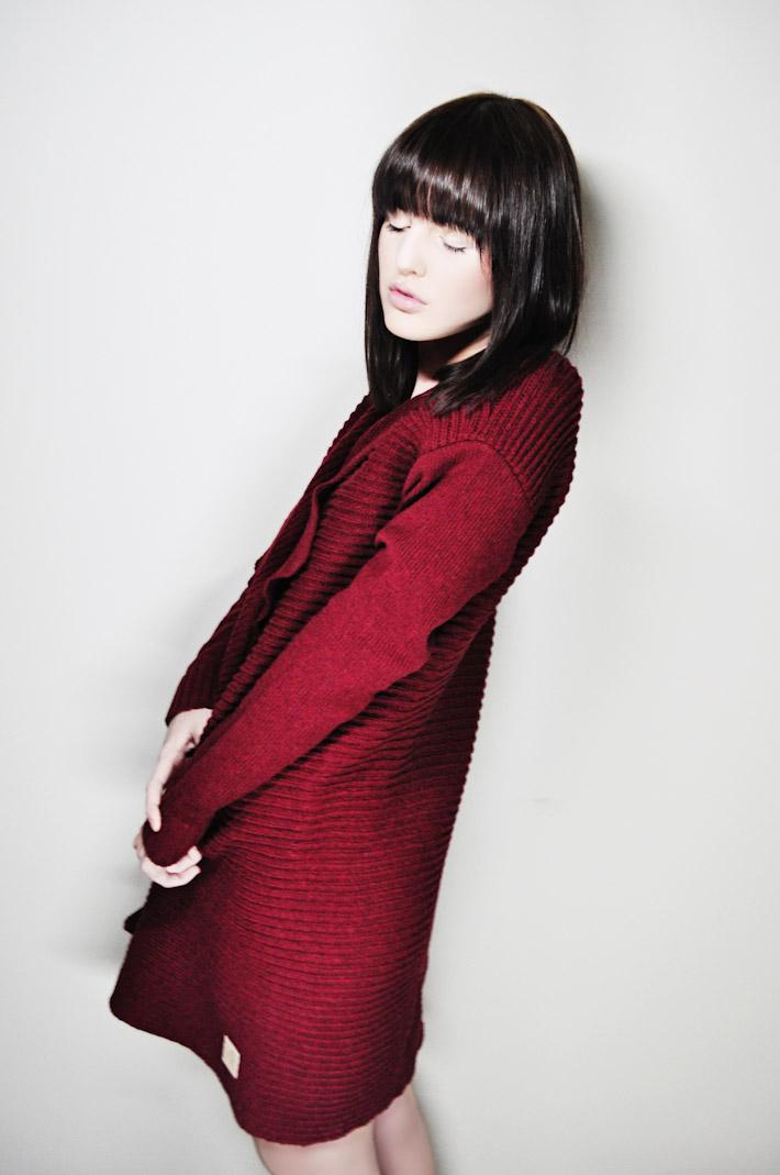 Kele dámský dlouhý teplý pletený svetr červený