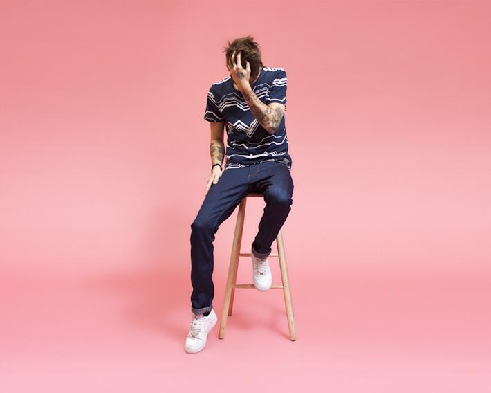 RVLT/Revolution, pánské modré tričko sbílým vzorem, tmavě modré jeany