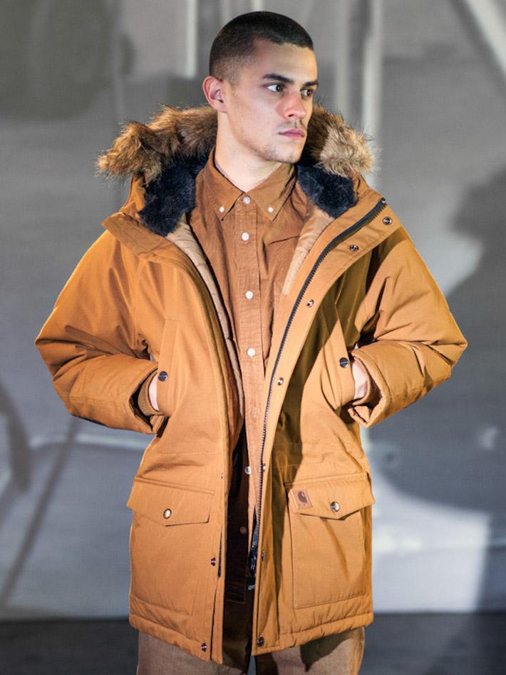 Carhart WIP pánská zimní hnědá bunda skapucí skošíškem