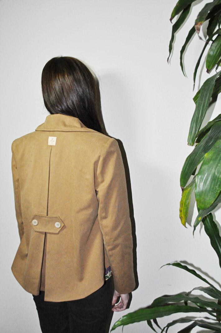 Kele dámský hnědý kabátek