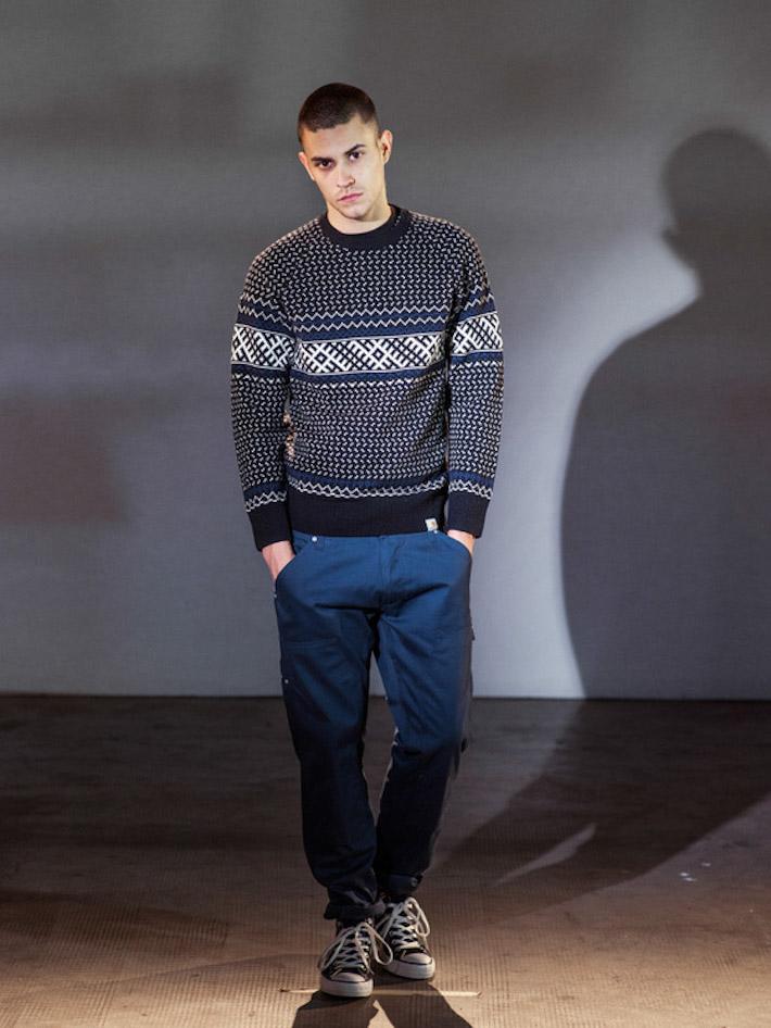 Carhart WIP pánský pletený svetr se vzorem, modré kalhoty