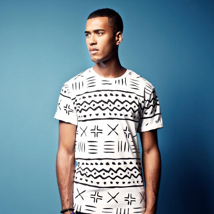 Daily Paper bílé pánské tričko sčerným vzorem