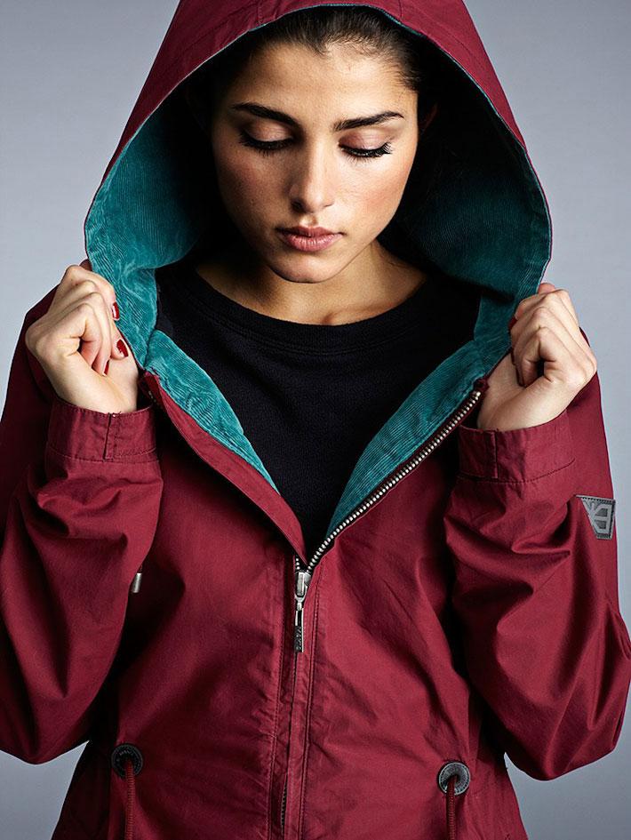 Makia dámská zimní bunda skapucí, červená, dlouhá, parka