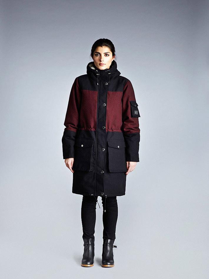 Makia dámský modro červený zimní kabát skapucí