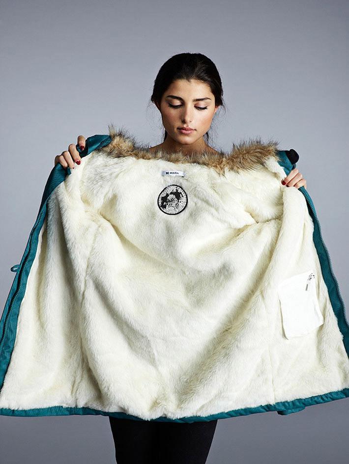 Makia dámský zelený zimní kabát skapucí askožešinou