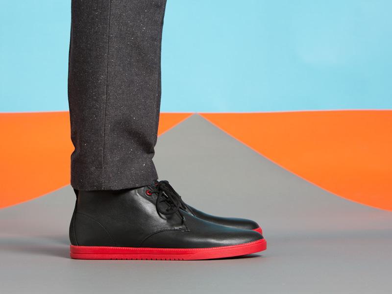 Clae – kotníkové boty pánské, kožené, černé, červená podrážka