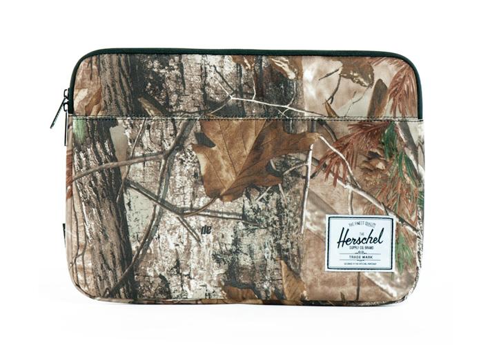 Herschel Supply Anchor Realtree, Herschel pouzdro pro MacBook Pro, pouzdro pro notebook, smotivem listí