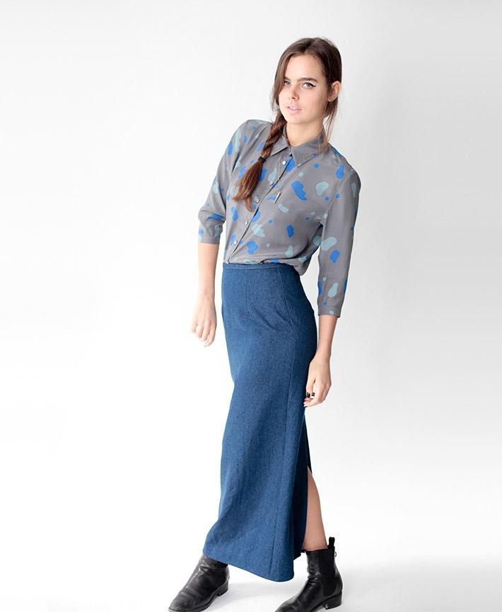 Dusen Dusen dámská šedá košile smodrými flíčky, modrá sukně dlouhá