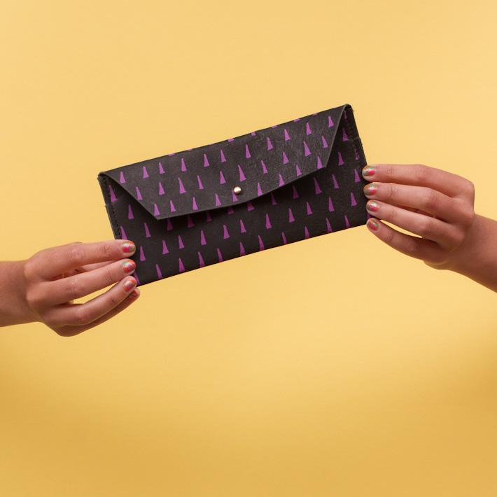 Georgie Cummings dámská černá velká kožená peněženka