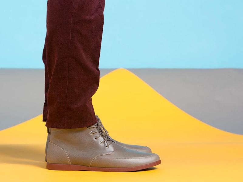 Clae – kotníkové boty pánské, kožené, světle hnědé