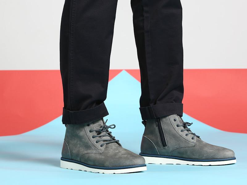Clae – vysoké pánské boty, kožené, šedá barva