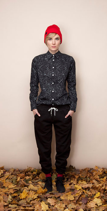 Ucon Acrobatics dámská černá košile sbílým vzorem, černé teplé kalhoty