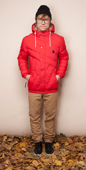 Ucon Acrobatics modro-červená košile sdlouhým rukávem, hnědé kalhoty