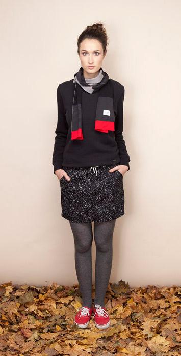 Ucon Acrobatics černá mikina dámská, černá sukně sbílým vzorem