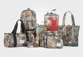 Batohy, pouzdra, tašky a peněženky Herschel Supply, kolekce Realtree