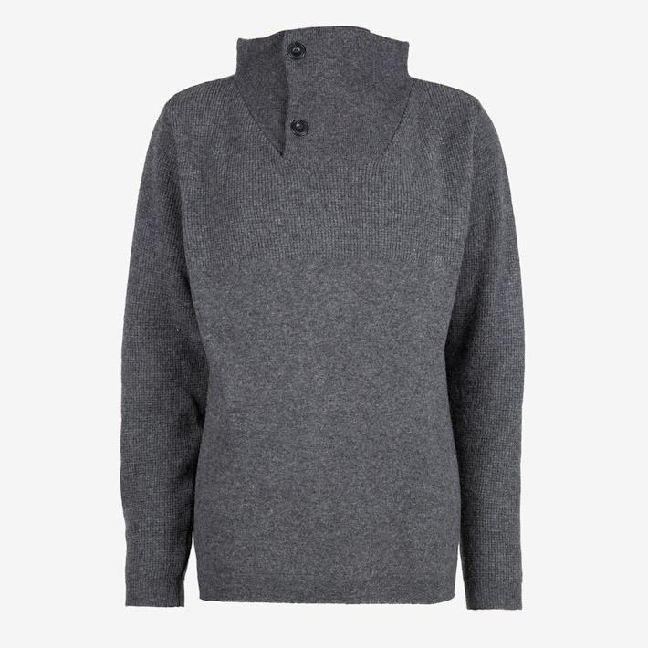 Frisur šedý svetr se stojáčkem