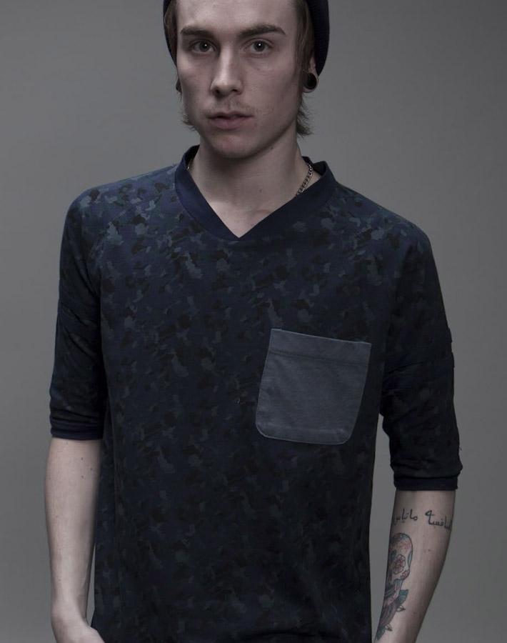 Volklore tričko sdlouhým rukávem askapsičkou