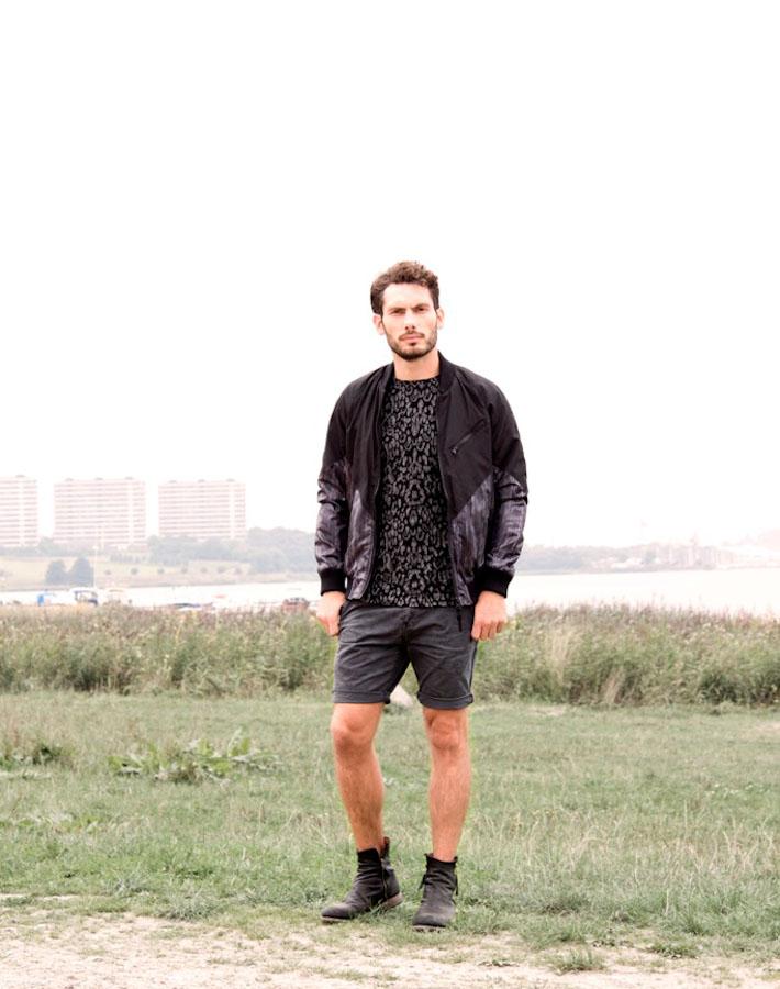 Anerkjendt – pánská bunda do pasu, vzorované tričko, šortky