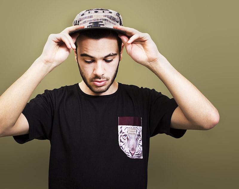 RVLT/Revolution – černé tričko skapsičkou