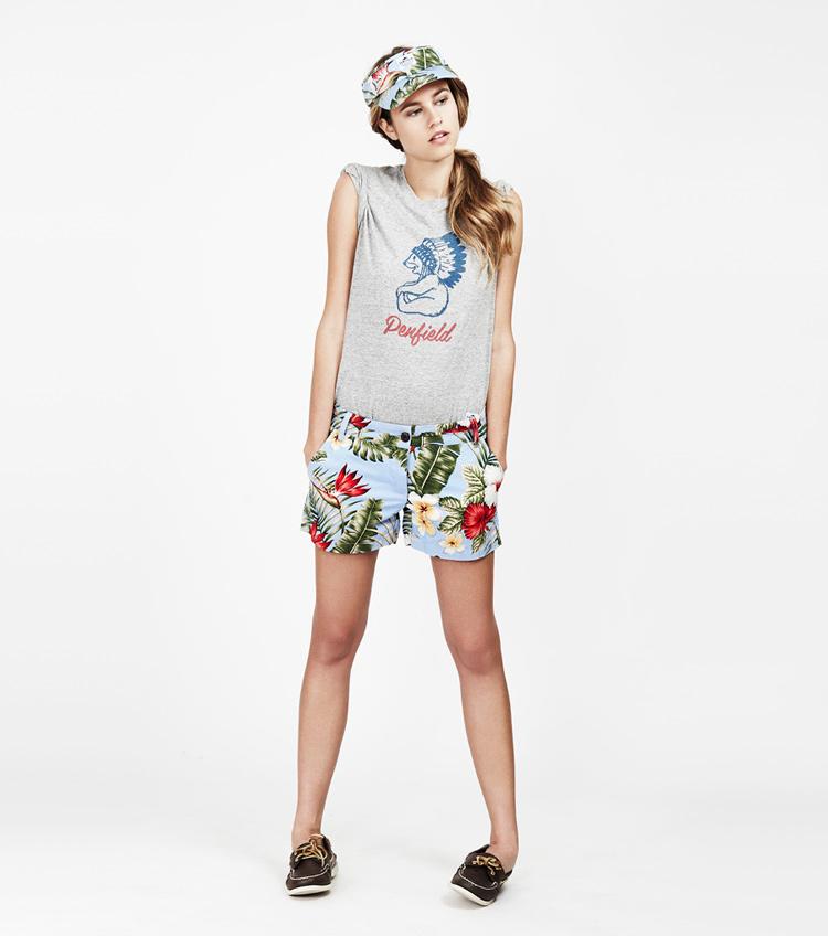 Penfield – dámská móda – dámské tričko, šortky skvětinami, kšiltovka