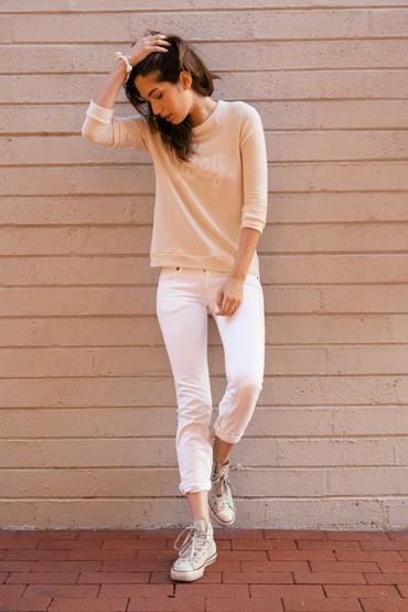 Obey oblečení – tričko – dlouhý rukáv, bílé uplé skinny kalhoty