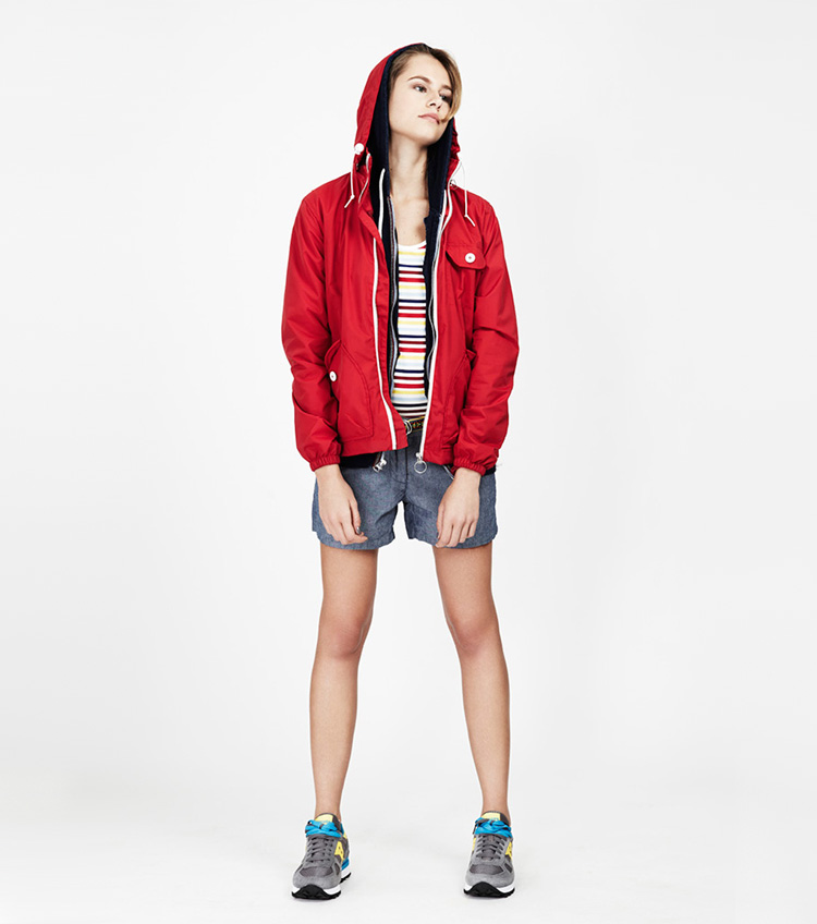 Penfield – dámská móda – červená bunda skapucí, šortky