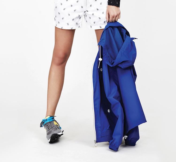 Penfield – dámská móda – modrá bunda, šortky se vzorem