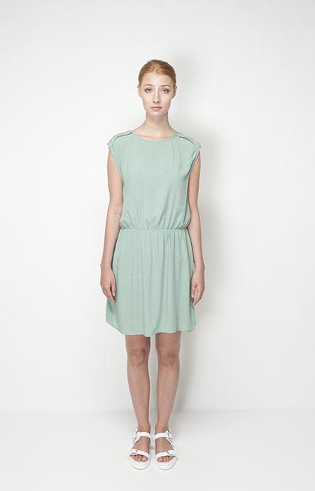 Ucon Acrobatics – dámské oblečení – světle zelené šaty