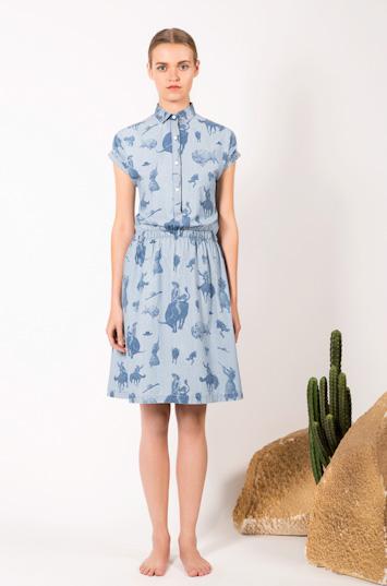 Frisur – dámské oblečení – bledě modré letní šaty