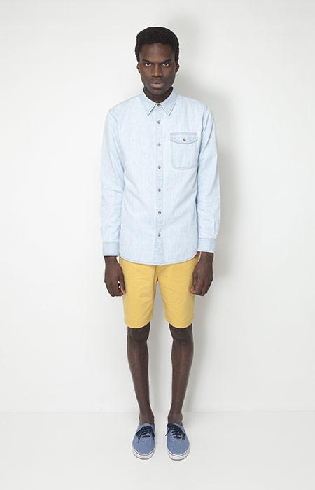 Ucon Acrobatics – pánská móda – bledě modrá jenasová košile, žluté šortky