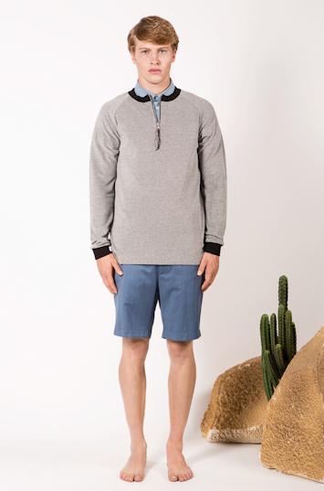 Frisur – pánské oblečení – šedá mikina, modré šortky
