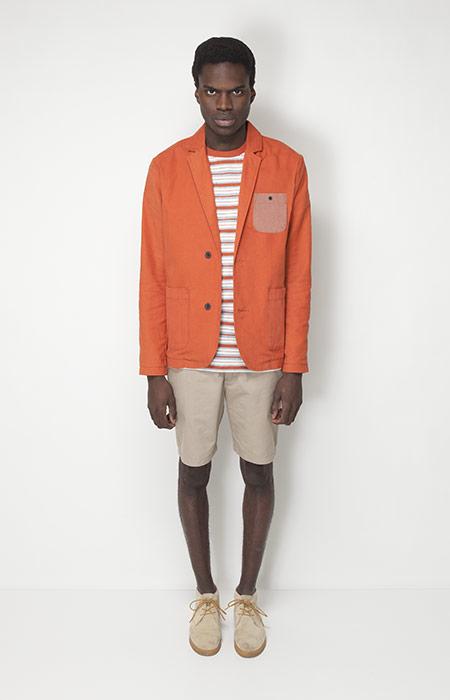 Ucon Acrobatics – pánské oblečení – oranžové sportovní sako, béžové šortky