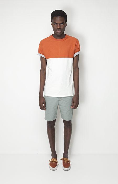 Ucon Acrobatics – pánské oblečení – oranžovo-bílé tričko, bledě zelené šortky