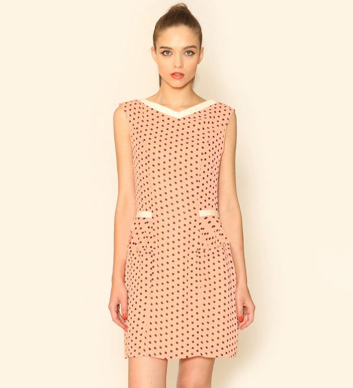 Pepa Loves – dámské oblečení – letní šaty pleťové barvy spuntíky