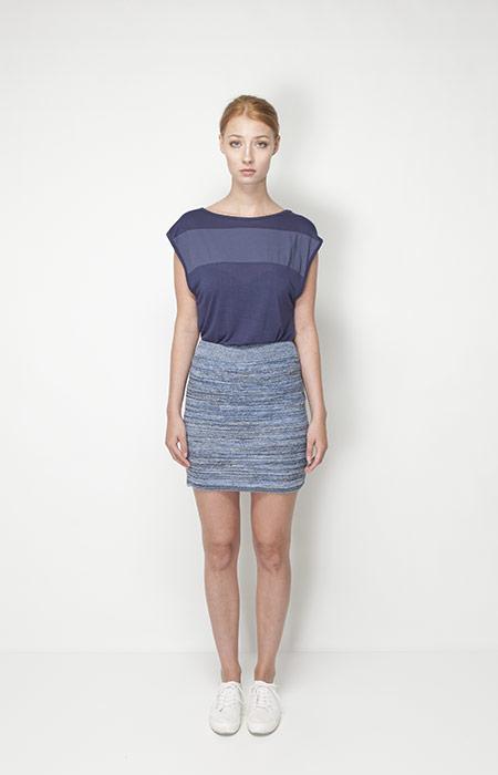 Ucon Acrobatics – dámská móda – modré tričko, sukně