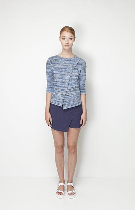 Ucon Acrobatics – dámská móda – modrý svetr, modrá sukně